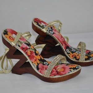 TWO LIPS Leather Rhinestone Carved Wedges, 8
